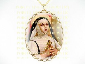 CATHOLIC SAINT TERESA AVILA CAMEO PORCELAIN NECKLACE 3