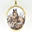 WOLF FAMILY MOM 4 BABY PORCELAIN CAMEO LOCKET NECKLACE
