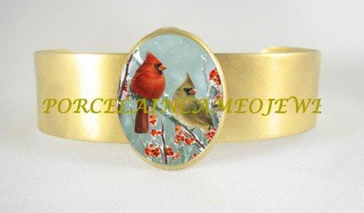 CARDINAL BIRD COUPLE FAMILY SNOW BERRY*CAMEO PORCELAIN BANGLE BRACELET