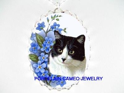 BLACK WHITE CAT FORGET ME NOT PORCELAIN CAMEO NECKLACE