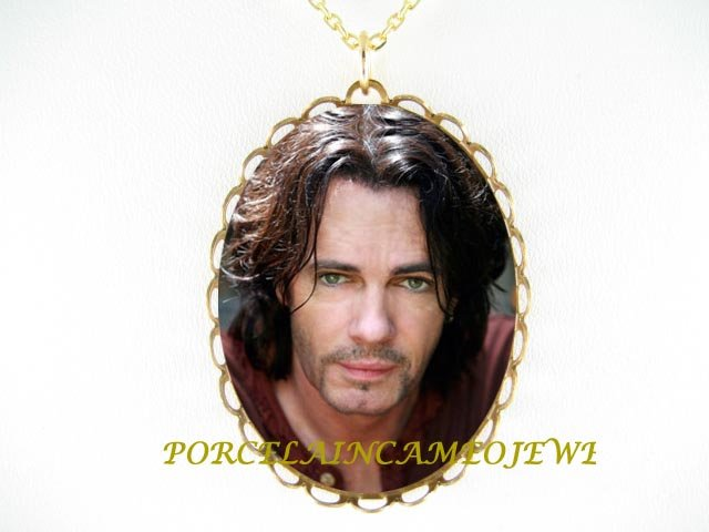 RICK SPRINGFIELD ROCK STAR PORCELAIN CAMEO NECKLACE