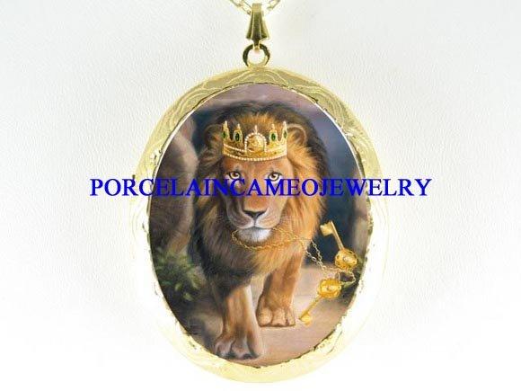 LION OF THE JUDAH PORCELAIN CAMEO LOCKET NECKLACE