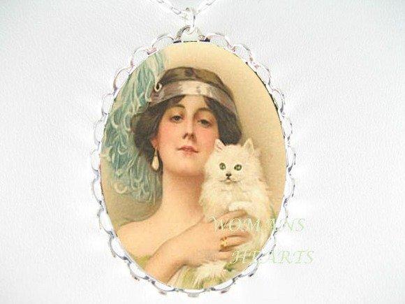 ART DECO LADY W/ PERSIAN CAT CAMEO PORCELAIN NECKLACE