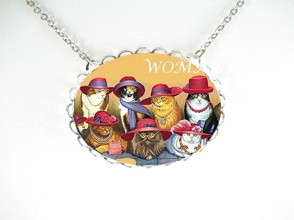 RED HAT CAT GROUP PORCELAIN CAMEO PENDANT NECKLACE