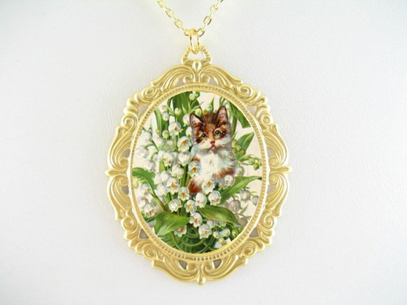 BROWN CAT LILY OF THE VALLY PORCELAIN CAMEO NECKLACE