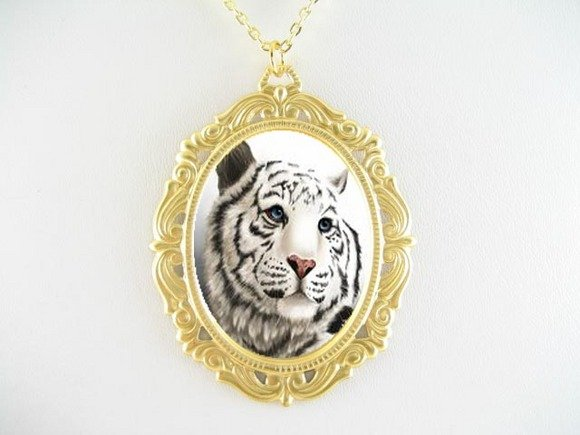 WHITE TIGER WILD CAT PORCELAIN CAMEO PENDTANT NECKLACE