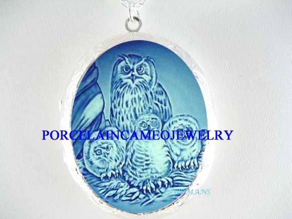DANISH BLUE OWL MOM BABY BIRD PORCELAIN CAMEO LOCKET NK