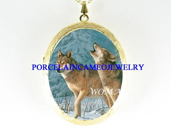 2 GREY WOLF HOWLING SNOW PORCEAIN CAMEO LOCKET NECKLACE