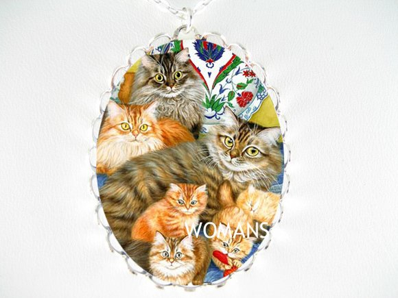 6 MAINE COON CAT KITTEN FAMILY PORCELAIN CAMEO NECKLACE