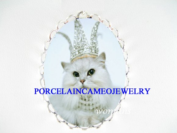 JEWELED CROWN PERSIAN CAT PORCELAIN CAMEO PIN PENDANT