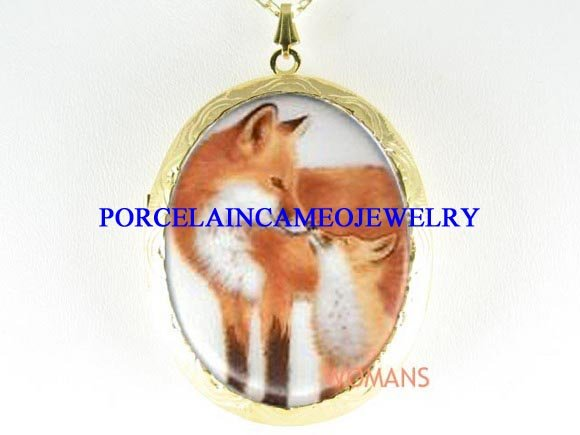 RED FOX MOM KISS BABY CAMEO PORCELAIN LOCKET NECKLACE