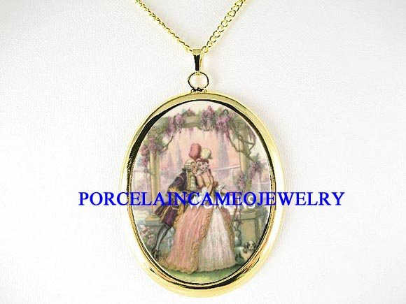 VICTORIAN ERA COURTING COUPLE CAMEO PORCELAIN NECKLACE