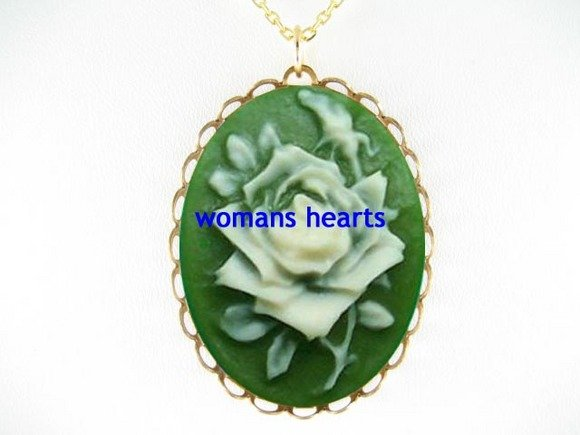 3D VINTAGE IRISH GREEN ENGLISH ROSE CAMEO NECKLACE