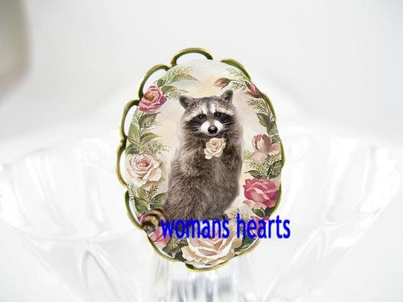 RACCOON HOLDING PINK ROSE PORCELAIN CAMEO ADJ RING 5-9
