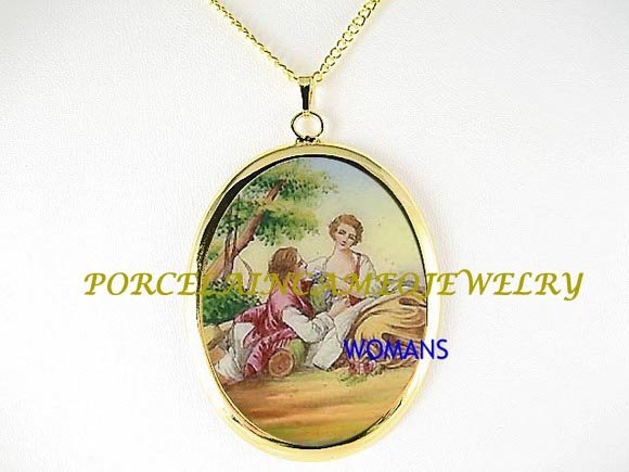 VICTORIAN ERA COURTING COUPLE CAMEO PORCELAIN NECKLACE 15-1