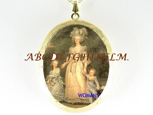 QUEEN MARIE ANTOINETTE WITH HER CHILDREN CAMEO LOCKET