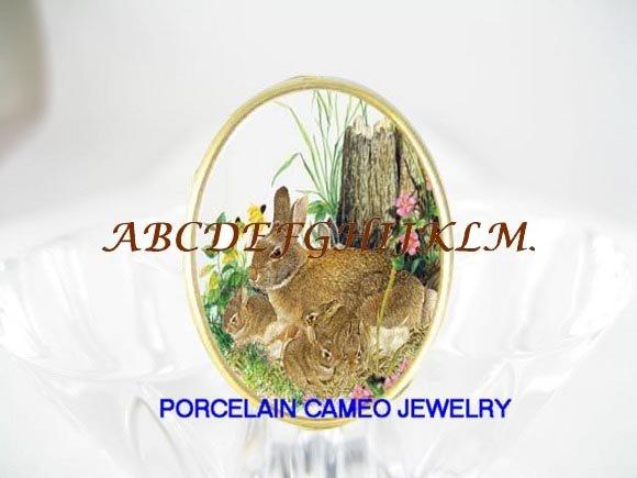 BUNNY RABBIT FAMILY MOM 3 BABY PORCELAIN CAMEO RING 5-9