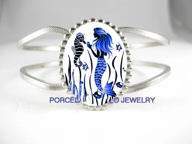 BLUE MERMAID WITH SEAHORSE PORCELAIN CAMEO VINTAGE BRACELET