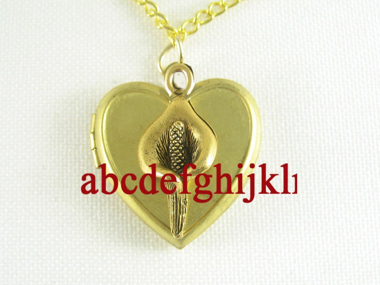 CALLA LILY FLOWER VINTAGE ANTIQUE HEART LOCKET NECKLACE