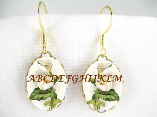 VICTORIAN CALLA LILY FLOWER CAMEO PORCELAIN EARRINGS