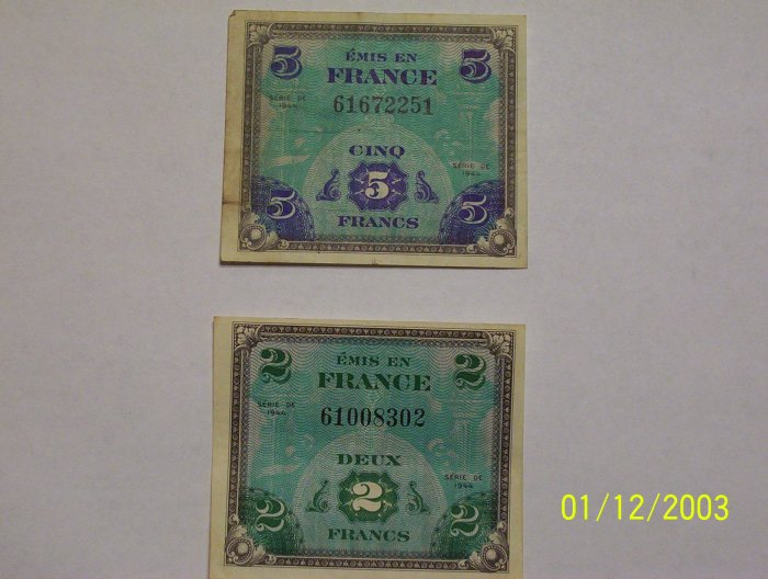 Military issued set of Francs