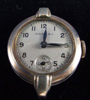 Vintage Gold Ladies Nassau Wristwatch Watch Round Face