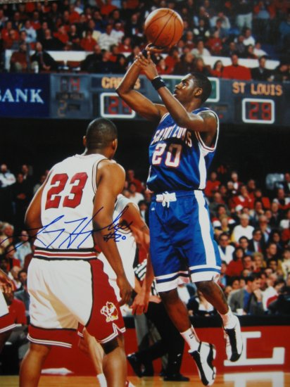 Larry Hughes Autographed 8x10 Photo (PRESS PASS)