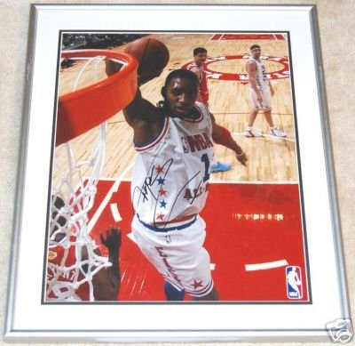 TRACY McGRADY FRAMED SIGNED 16x20 Photo (PSA/DNA)