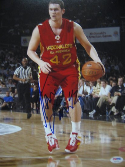 Kevin Love Signed 11x14 Photo (PSA/DNA)