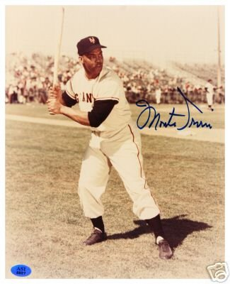 MONTE IRVIN SIGNED 8X10 PHOTO (ASI)