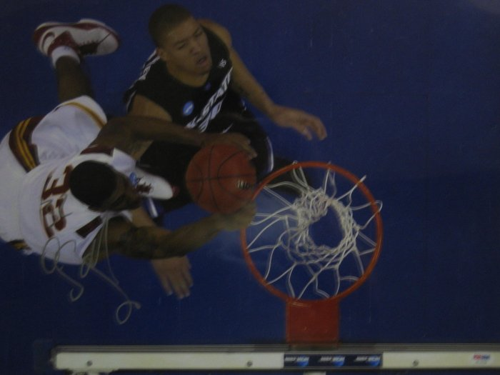 O.J. Mayo Dunking Over Michael Beasley Signed 16x20 Photo (PSA/DNA)