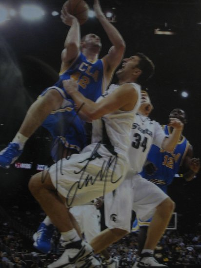 Kevin Love Signed UCLA 16x20 Photo