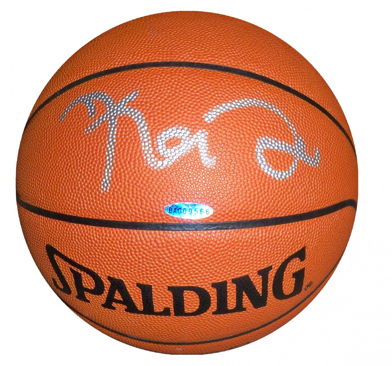 Kevin Garnett Signed Basketball (UPPER DECK, UDA)