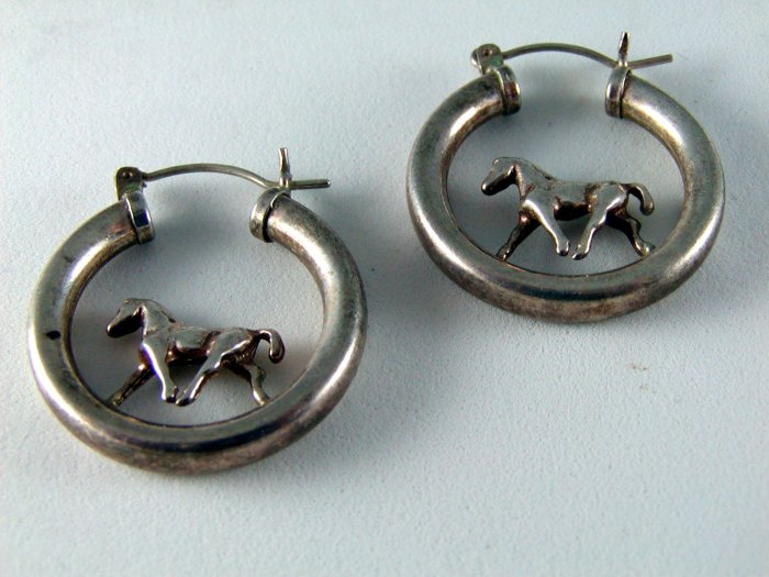 VINTAGE STERLING SILVER HORSE HOOP PIERCED EARRINGS