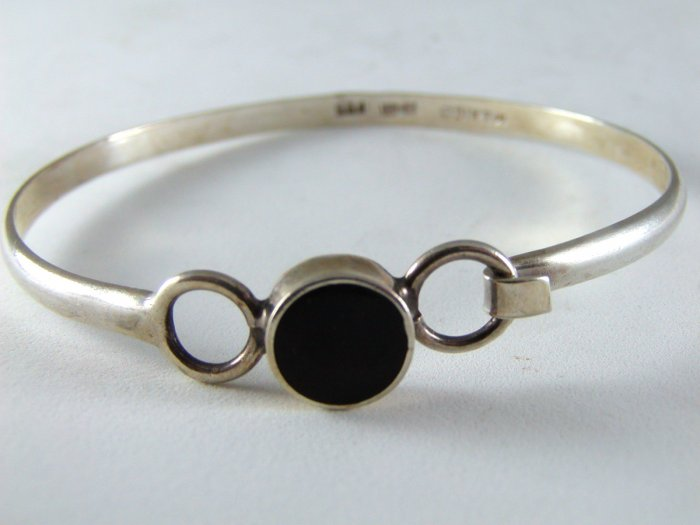 VINTAGE TAXCO MEXICAN STERLING SILVER BLACK ONYX BRACELET