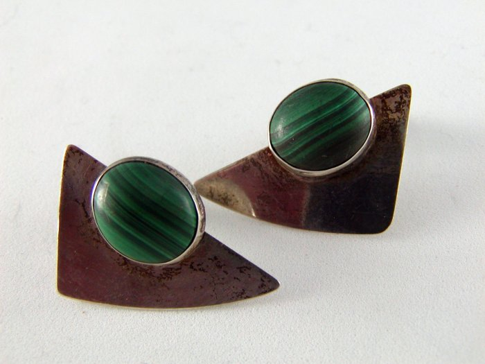 VINTAGE SIGNED ATV STERLING SILVER MALACHITE PIERCED EARRINGS