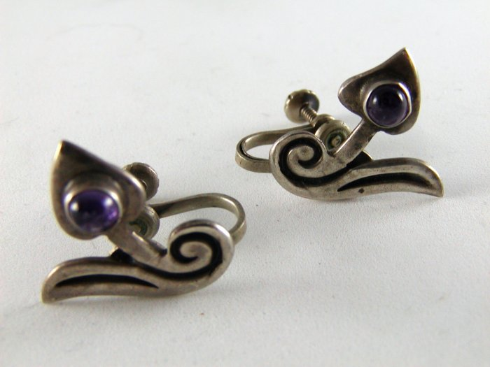 VINTAGE MEXICAN TAXCO STERLING SILVER AMYTHEST SIGNED EARRINGS