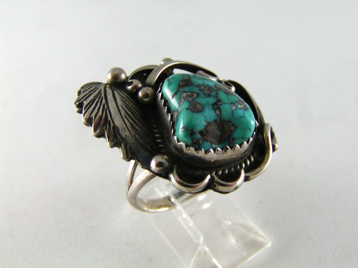 NATIVE AMERICAN NAVAJO STERLING SILVER TURQUOISE RING SZ 8