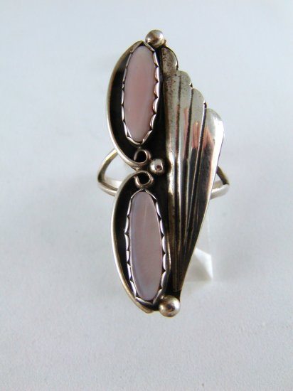 VINTAGE NATIVE AMERICAN NAVAJO STERLING SILVER PINK MOTHER OF PEARL RING SZ 7 1/2