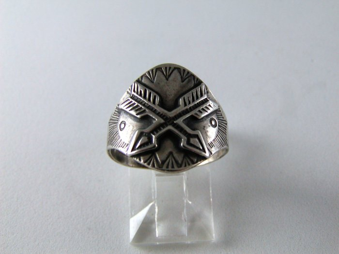 VINTAGE NATIVE AMERICAN STERLING SILVER CROSSED ARROWS RING SZ 7