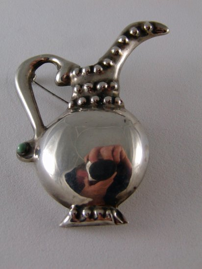 VINTAGE MEXICO MEXICAN STERLING SILVER JUG PITCHER BROOCH