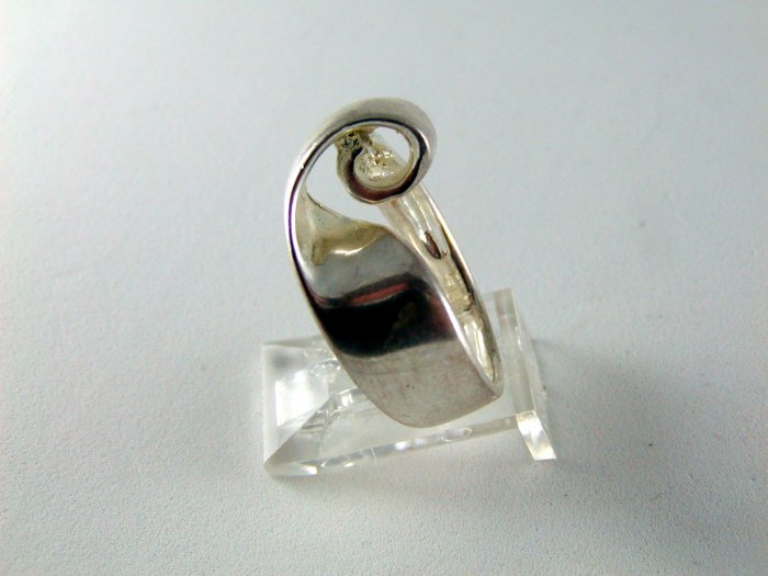 STERLING SILVER RING SIZE 6 1/4