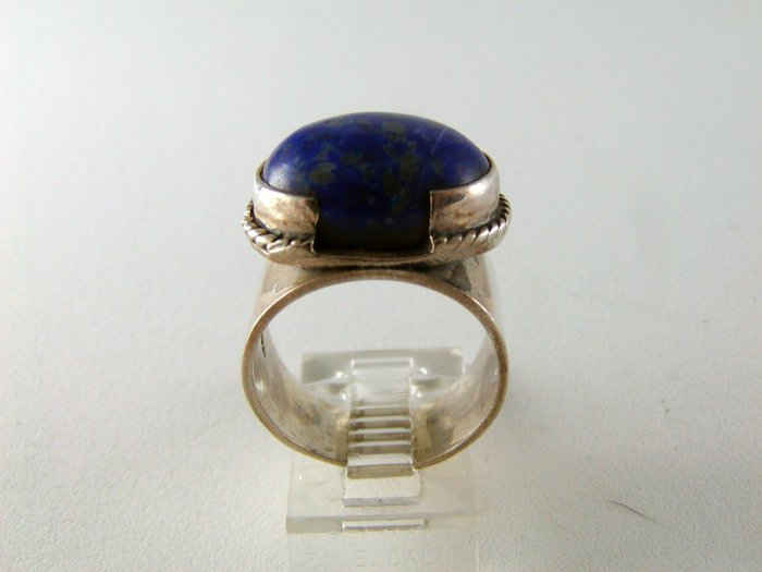 VINTAGE EGYPTIAN STYLE STERLING SILVER LAPIS RING SIZE 6 1/2