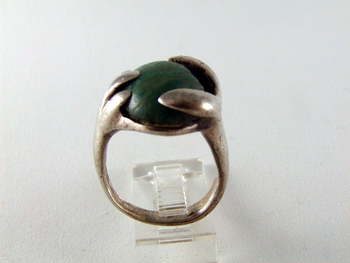 VINTAGE HANDMADE STERLING SILVER MALACHITE RING HANDS SIZE 7 3/4