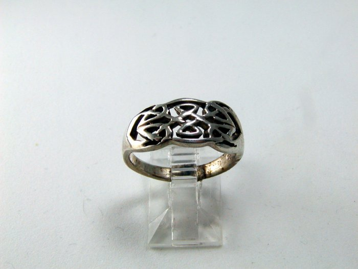 VINTAGE CELTIC STYLE STERLING SILVER BAND RING SIZE 8 1/4