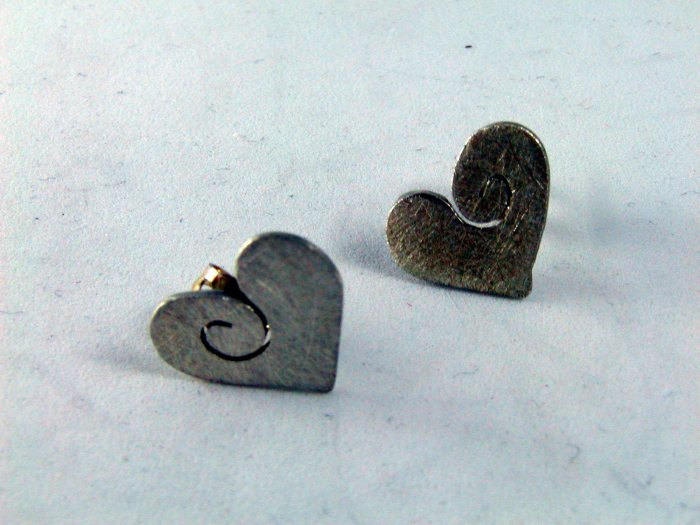 VINTAGE STERLING SILVER HEART PIERCED EARRINGS