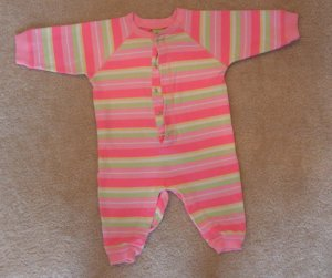 Girls baby  Old Navy romper pink size 6-9 months