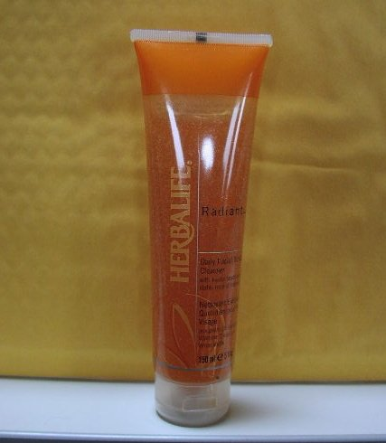 Herbalife Radiant C Daily Facial Scrub Cleanser 10/2012