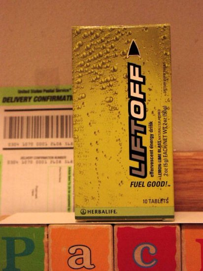 Herbalife LiftOff Lift Off Energy Drink Lemon-Lime x 4 and Orange Ignite-Me x 4