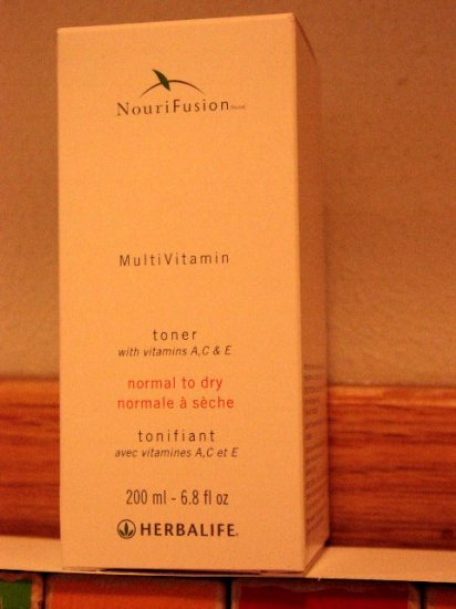 Herbalife NouriFusion MultiVitamin Dry Toner 3/2012